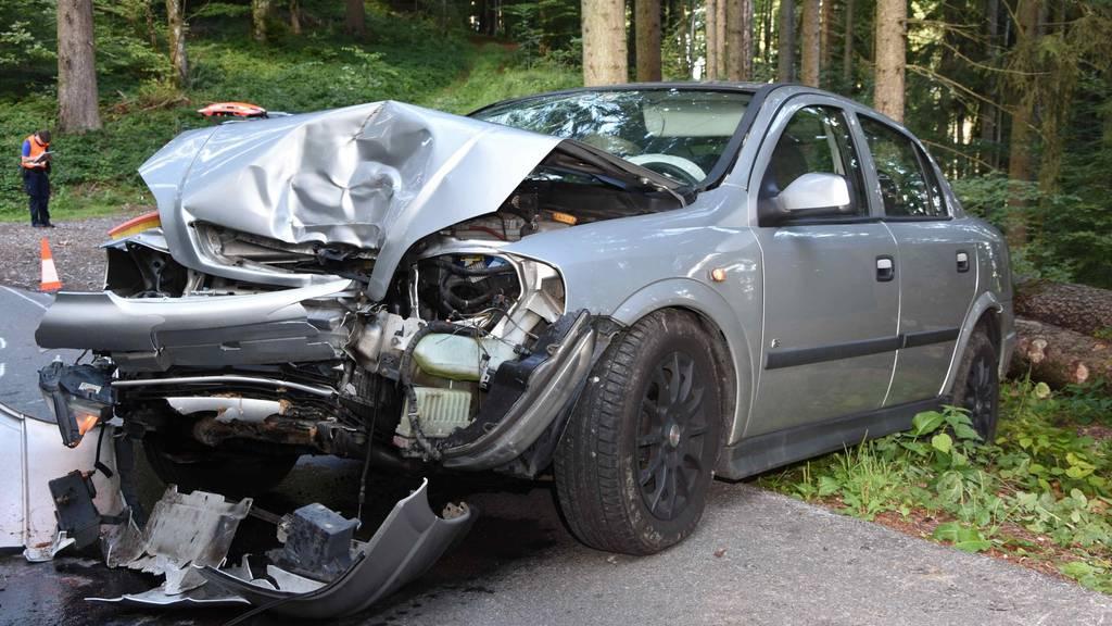 Das beschädigte Auto nach dem Unfall.