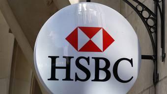 Die Grossbank HSBC will einem Zeitungsbericht zufolge nicht nur 4000 Stellen streichen, sondern in den Planungen ist von rund 10'000 weniger Angestellten die Rede. (Archivbild)