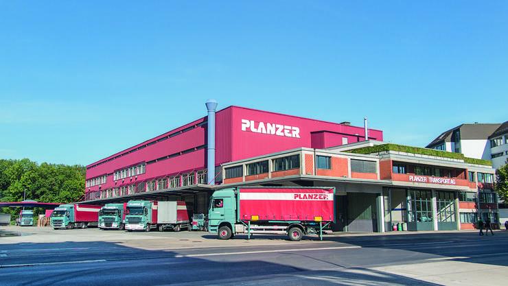 Das Transportunternehmen Planzer, dessen Hauptstandort im Industriegebiet Silbern liegt, will zum zweitgrössten Paketlieferanten der Schweiz werden.