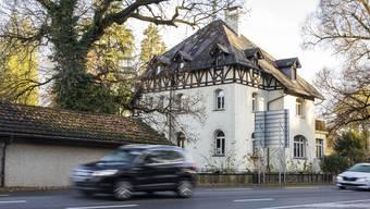 Der Verkauf der Villa Ermitage samt zwei Parzellen im Aussenquartier Webermühle soll rund 8 Millionen Franken einbringen - mindestens.