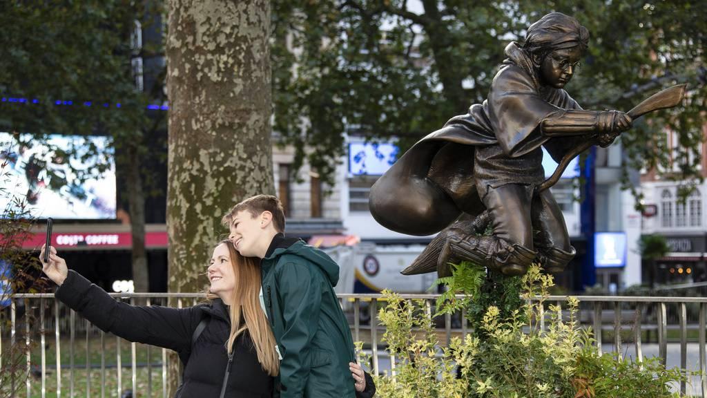 Neue Harry-Potter-Statue in London enthüllt