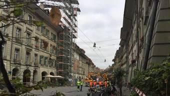 Die Kramgasse in der Berner Innenstadt ist abgesperrt.