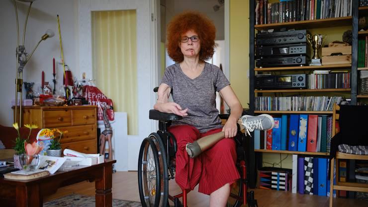 Beate Flanz erzählt, sie sei 24 Stunden am Tag aktiv gewesen. Im Sommer, im Winter, bei Wind und Wetter. Kajak, Langlauf, reiten. Und Fahrradfahren. 12'000 Kilometer pro Jahr. Optimistisch, lebensfroh, so umschreibt sie sich selbst.