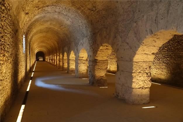 Antike Bauten: Die Säulengänge des Kryptoportikus in Aosta.