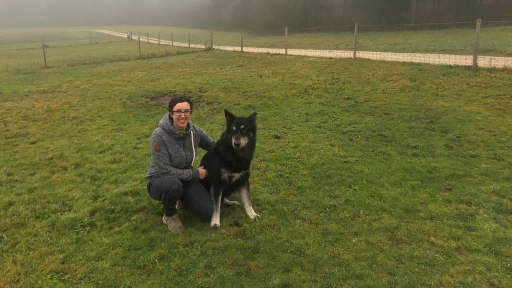 Alice Rindlisbacher mit Hund
