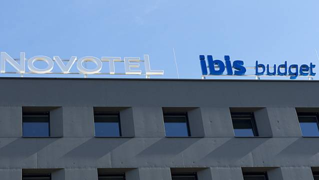 Fassade von zwei Accor-Hotels in Basel. (Symbolbild)