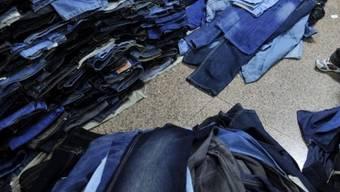 Der Einbrecher tauschte seine nasse Hose gegen eine Neue und Trockene aus