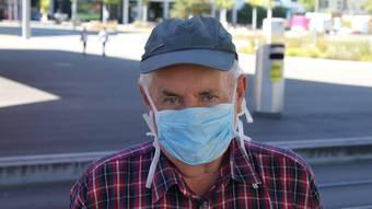 «Ich bin vor zwei Monaten von Rüti nach Schlieren gezogen. Dort ist die Situation nicht anders als hier. Dass das Limmattal die höchste Ansteckungsrate im Kanton hat, habe ich gelesen. Angst macht es mir nicht. Es existieren viele Krankheiten. Ich trage im Bus eine Maske. Auch die jungen Leute halten sich an die Maskenpflicht.»