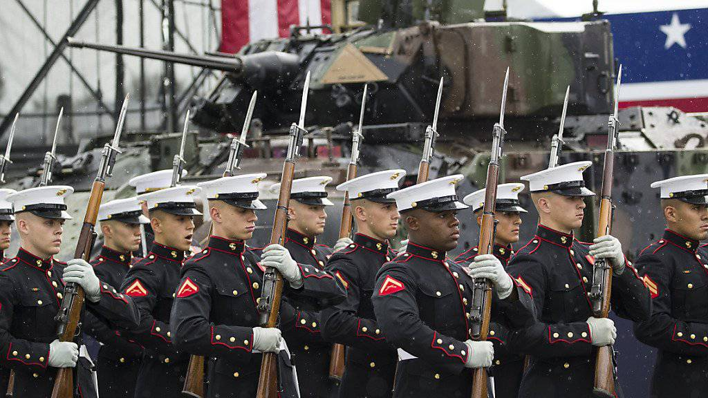 Defilee des Marine-Korps bei den Feierlichkeiten vor der Lincoln-Gedenkstätte in Washington.