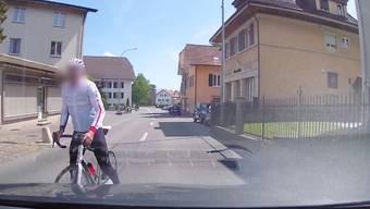 Auf einem Video geraten zwei Männer in Grenchen aneinander. Und es zeigt sich: Auto- und Velofahrer mögen sich auch sonst nicht besonders.