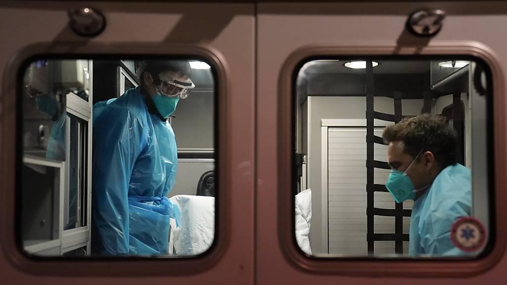 Virus-Mutation aus Südafrika erstmals in den USA nachgewiesen