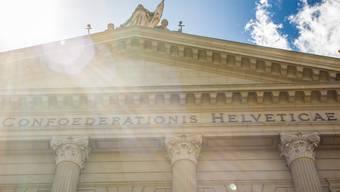 Es werde Licht: Die staatspolitische Kommission des Ständerat will die Nebenbeschäftigungen von Bundeskadern veröffentlichen.