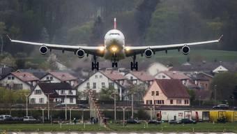 Harte Landung für einen Piloten: Nachdem er Blau gemacht hatte, wurde ihm gekündigt. (Archiv)