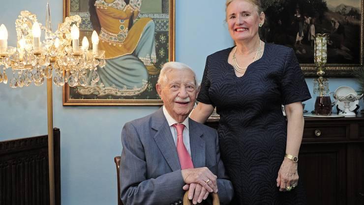 Djafar Behbahanian (auf dem Bild mit seiner Frau Doris) wurde 115 Jahre alt. Er verstarb Anfang Juli.
