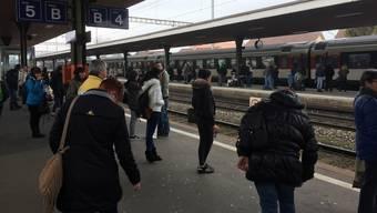 Nichts geht mehr im Bahnhof Lenzburg. (Archivbild)
