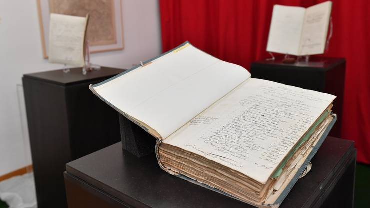 Mit der Hilfe der Dorfbewohner soll ein Sammelwerk über die Familiennamen in Oberlunkhofen entgstehen. (Symbolbild)