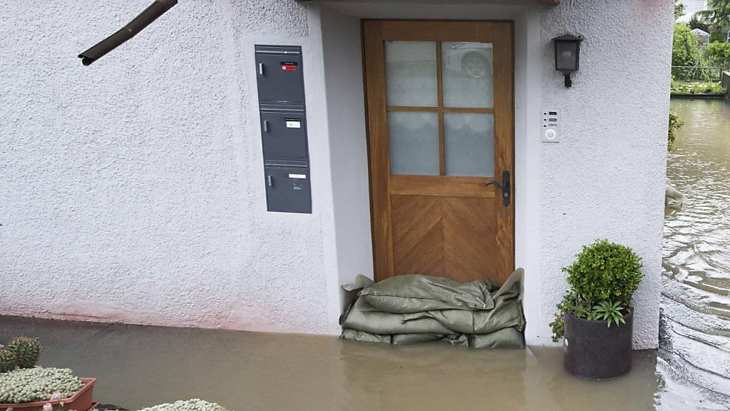 Wasserspiegel der Seen und Flüsse steigt nach Regenfällen