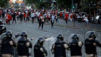 Wegen der Gewaltexzesse in Buenos Aires Ende November findet der Final der Copa Libertadores in Madrid statt.
