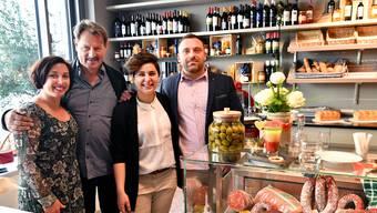 Von links Andrea Born, Bauherr Alex Heuberger, Graziella und Michael Muraca, Geschäftsführer.