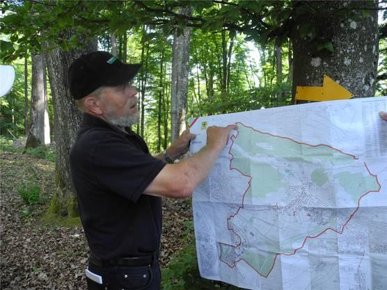 Gemeindepräsident Hanspeter Haug führte den zweiten Grenzumgang.
