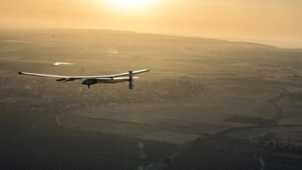 Die «Solar Impulse 2» landete am Donnerstagmorgen im südspanischen Sevilla. Zuvor überquerte Pilot Bertrand Piccard von New York aus den Atlantik.