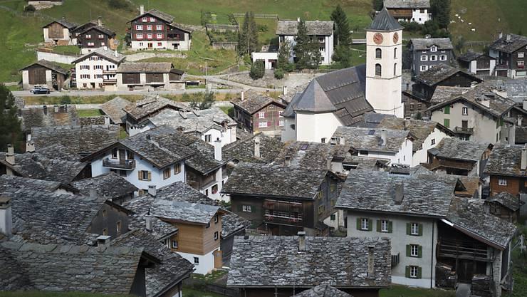 Das Bundesgericht hat zwei Baugesuche für touristisch bewirtschaftete Ferienhäuser in einem Weiler von Vals abgewiesen. (Archivbild)