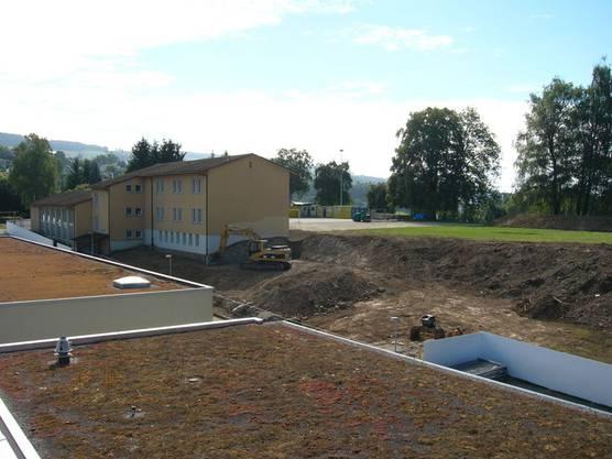 September 2013 Die Bauarbeiten am Schulhaus Hüslerberg haben begonnen