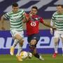Mohamed Elyounoussi (links) trifft gegen Lille doppelt und kann sich trotzdem nicht über einen Sieg freuen