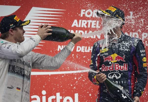 Einiges landet auch in Vettels Gesicht