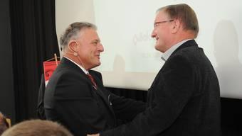 Die beiden neuen Ehrenmitglieder, Hans Burkhalter und Präsident Ueli Nussbaumer.
