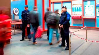 Kontrolle am Grenzbahnhof SNCF in Basel. (Symbolbild)
