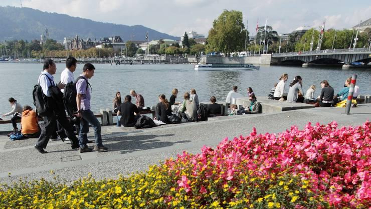 In Zürich ist der Seeuferweg weitgehend realisiert.  Raphael Hünerfauth