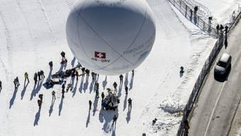 """Weltmeister im Distanzfliegen: Der Gasballon """"Fribourg Freiburg Challenge"""" mit den Piloten  Laurent Sciboz und Nicolas Tièche hat das Gordon-Bennet-Rennen 2019 für sich entschieden. (Archivbild)"""
