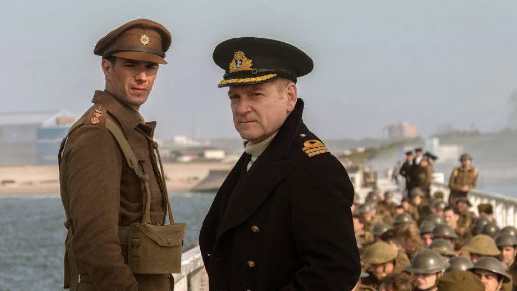 """James D'Arcy (l) and Kenneth Branagh in einer Szene des Kriegsfilms """"Dunkirk"""". (Archiv)"""