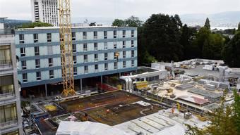 Die Bauarbeiten für den Modulbau des Unispitals laufen gemäss Fahrplan. Heinz Diener
