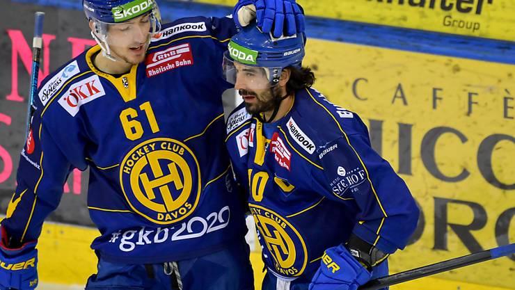 Fabrice Herzog (links) erzielte das Siegestor, Andres Ambühl (rechts) traf im sechsten Meisterschaftsspiel in Folge