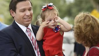 Gewinnt die umstrittene Gouverneurswahl in Florida: der Republikaner Ron DeSantis. (Archivbild)