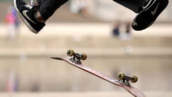 Ohne den Skateboard-Pionier Larry Stevenson gäbe es heute nicht so viele geübte Skateboardfahrer (Archiv)