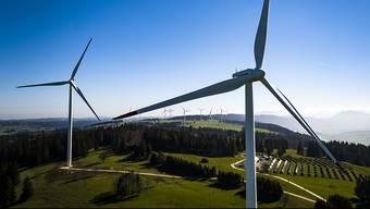 Mit der Revision des Energiegesetzes können Windparks an Orten entstehen, die bisher Tabu waren. (Archivbild)