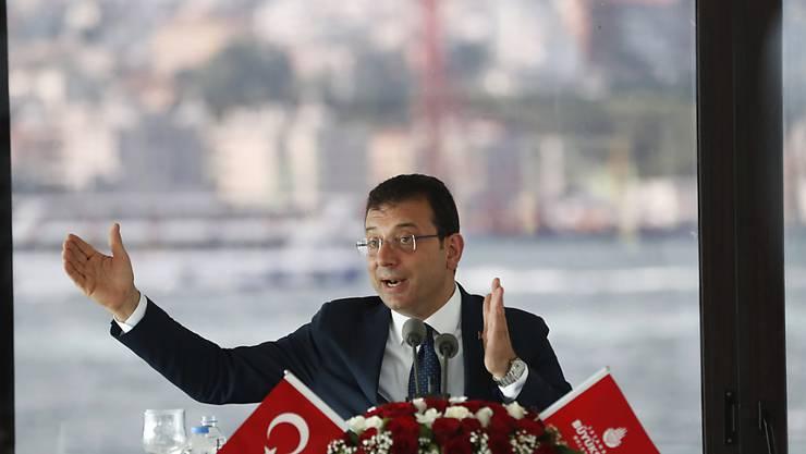 Der Istanbuler Oppositionsbürgermeister Ekrem Imamoglu hat das Kanal-Projekt von Präsident Recep Tayyip Erdogan scharf kritisiert. (Archivbild)