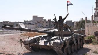 Ein Soldat der syrischen Armee in der Nähe von Idlib im Nordwesten Syriens. (Archivbild)