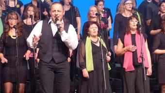Dani Kalt und der Chor «Klangtastisch» verstanden es bestens, den Funken der Begeisterung auf ihre Zuhörer zu übertragen.