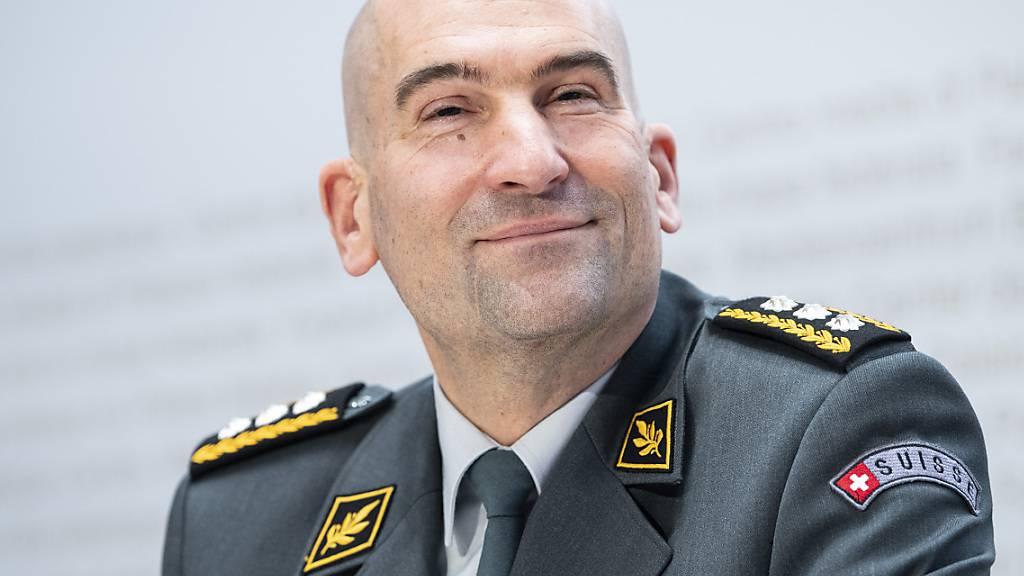 Armeechef räumt Fehler bei IT-Kosten ein - und wehrt sich