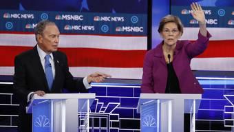 Siegerin und Verlierer der Demokraten-Debatte: Elizabeth Warren (r) und Mike Bloomberg.