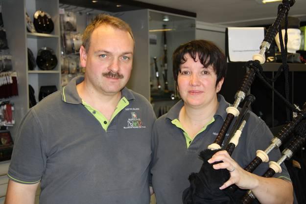 Martin Anliker und Nicole Irman sind die stolzen Besitzer des Bagpipeshops