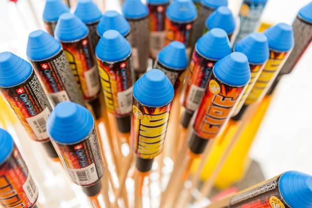 Feuerwerksverkauf vor dem 1. August in Erlinsbach SO. Der Kanton Aargau hat am 30. Juli wegen der Dürre ein generelles Feuer- und Feuerwerkverbot ausgesprochen.