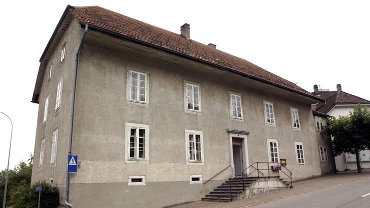 Die Überlegungen, was mit dem alten Schulhaus in Günsberg geschehen soll, wurden wieder aufgenommen.