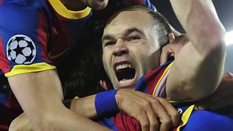 Barças Iniestas feiert Tor von Lionel Messi