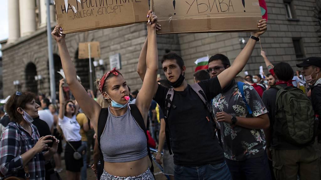 Ausschreitungen bei Antiregierungsprotesten