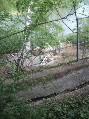 Gleich neben dem Weg kommt der Schräglift zu stehen, welcher derzeit gebaut wird.